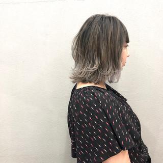 グラデーションカラー 簡単スタイリング 外ハネボブ ラベンダーアッシュ ヘアスタイルや髪型の写真・画像