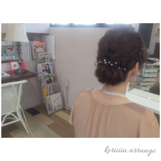ミディアム ヘアアレンジ 編み込み パーティ ヘアスタイルや髪型の写真・画像