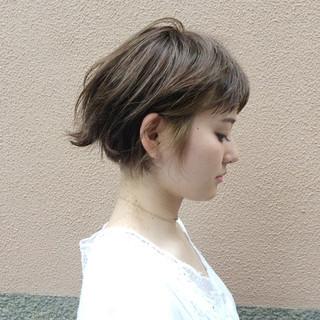 ショート デート インナーカラー ショートボブ ヘアスタイルや髪型の写真・画像