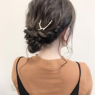 シニヨン デート ナチュラル 波ウェーブ ヘアスタイルや髪型の写真・画像