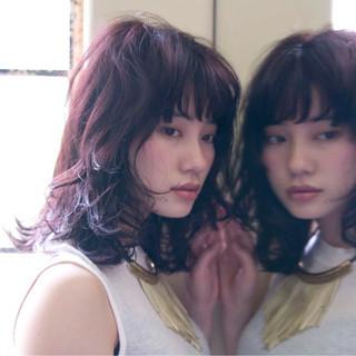 ラベンダーピンク パーマ 外国人風 ミディアム ヘアスタイルや髪型の写真・画像