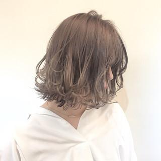 アッシュ ミルクティー ボブ アンニュイ ヘアスタイルや髪型の写真・画像