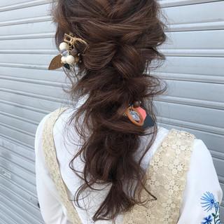 成人式 ナチュラル 結婚式 ロング ヘアスタイルや髪型の写真・画像 ヘアスタイルや髪型の写真・画像
