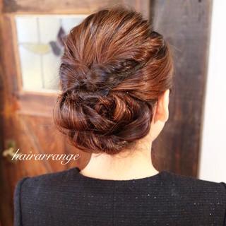 ヘアアレンジ セミロング シニヨン 簡単ヘアアレンジ ヘアスタイルや髪型の写真・画像 ヘアスタイルや髪型の写真・画像