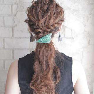 フェミニン ショート 簡単ヘアアレンジ ゆるふわ ヘアスタイルや髪型の写真・画像