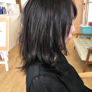 透明感 アッシュ グレージュ ミディアム ヘアスタイルや髪型の写真・画像