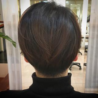ショートヘア 刈り上げ ナチュラル ショート ヘアスタイルや髪型の写真・画像