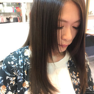 ヘアカラー デート 透明感カラー セミロング ヘアスタイルや髪型の写真・画像