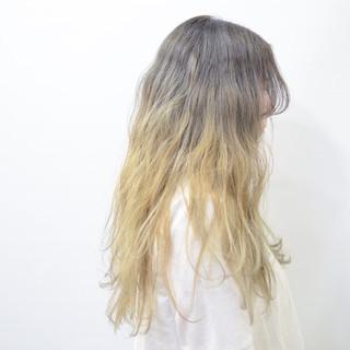 バレイヤージュ アッシュ ロング グラデーションカラー ヘアスタイルや髪型の写真・画像