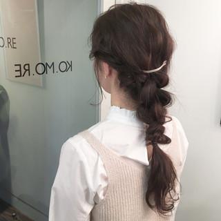 ラフ ヘアアレンジ グレージュ ウェーブ ヘアスタイルや髪型の写真・画像