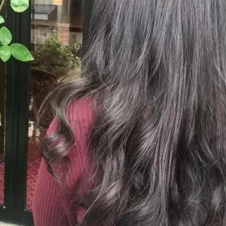 ゆるふわ アッシュ ナチュラル 艶髪 ヘアスタイルや髪型の写真・画像