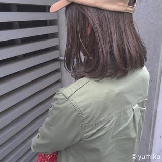 グレー ハイライト 暗髪 グレージュ ヘアスタイルや髪型の写真・画像