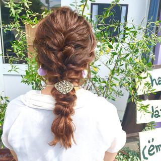 結婚式 セミロング 波ウェーブ ナチュラル ヘアスタイルや髪型の写真・画像