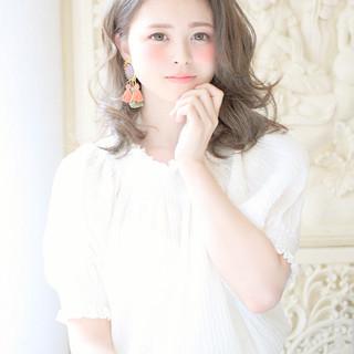 ミディアム ゆるふわ 外国人風 大人かわいい ヘアスタイルや髪型の写真・画像
