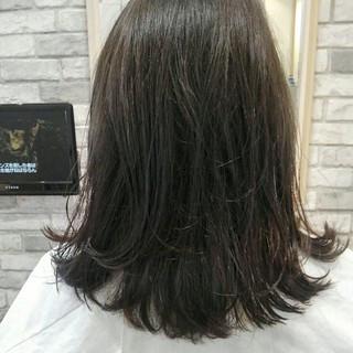 透明感 秋 グレージュ アッシュ ヘアスタイルや髪型の写真・画像