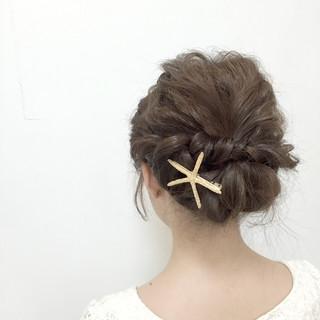 編み込み パーティ ショート 大人かわいい ヘアスタイルや髪型の写真・画像