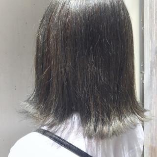ナチュラル グレージュ ミディアム ブルージュ ヘアスタイルや髪型の写真・画像