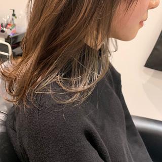 ベージュ ナチュラル アンニュイ インナーカラー ヘアスタイルや髪型の写真・画像