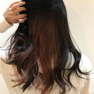 インナーカラー ダブルカラー ブリーチカラー インナーカラーレッド ヘアスタイルや髪型の写真・画像