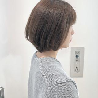小顔ショート グレージュ ボブ ナチュラル ヘアスタイルや髪型の写真・画像