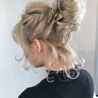 お団子アレンジ 簡単ヘアアレンジ お団子ヘア ボブ ヘアスタイルや髪型の写真・画像 ヘアスタイルや髪型の写真・画像