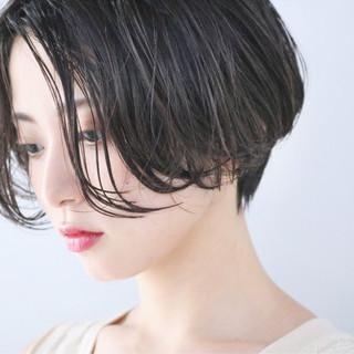 ショートボブ ショートヘア 小顔ショート ハンサムショート ヘアスタイルや髪型の写真・画像
