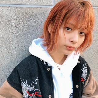 外ハネボブ オレンジ シースルーバング ウルフカット ヘアスタイルや髪型の写真・画像