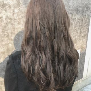 巻き髪 アンニュイほつれヘア ロング グレージュ ヘアスタイルや髪型の写真・画像