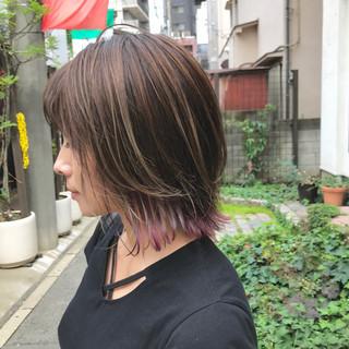 外ハネボブ ボブ 切りっぱなしボブ デザインカラー ヘアスタイルや髪型の写真・画像