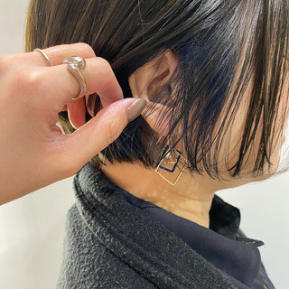 ナチュラル ブルージュ ショートボブ デザインカラー ヘアスタイルや髪型の写真・画像
