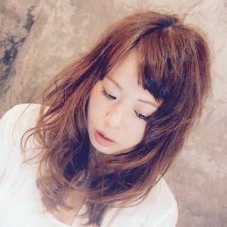 オン眉 ガーリー かわいい ナチュラル ヘアスタイルや髪型の写真・画像