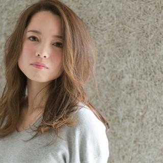 ピュア 大人かわいい 外国人風 ロング ヘアスタイルや髪型の写真・画像