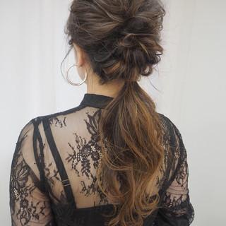 簡単ヘアアレンジ 編み込みヘア デート ナチュラル ヘアスタイルや髪型の写真・画像