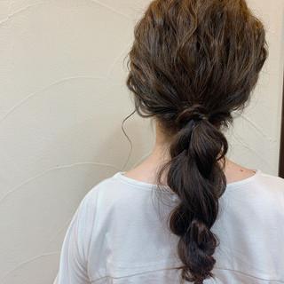 お呼ばれヘア 編みおろしヘア ヘアアレンジ ナチュラル ヘアスタイルや髪型の写真・画像