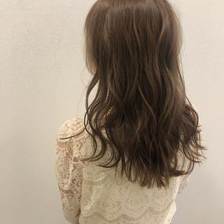 艶髪 デート かわいい グレージュ ヘアスタイルや髪型の写真・画像 ヘアスタイルや髪型の写真・画像