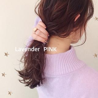 ゆるナチュラル ゆる巻き ガーリー ラベンダーピンク ヘアスタイルや髪型の写真・画像