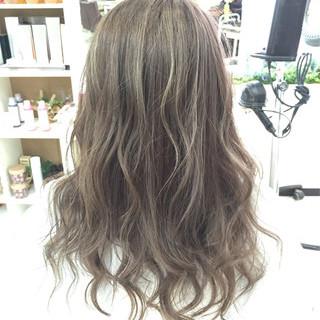 アッシュ ハイライト ストリート ブリーチ ヘアスタイルや髪型の写真・画像