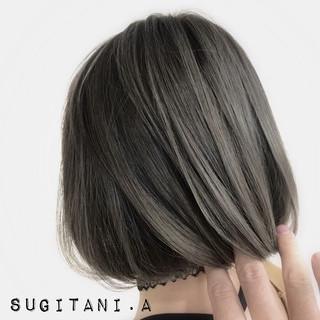 イルミナカラー ブリーチ グラデーションカラー ショート ヘアスタイルや髪型の写真・画像