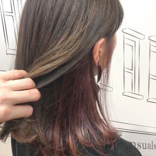 ピンク 外ハネ ミディアム インナーカラー ヘアスタイルや髪型の写真・画像