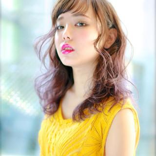 くせ毛風 グラデーションカラー ストリート 外国人風 ヘアスタイルや髪型の写真・画像
