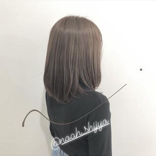 大人カジュアル ミディアム デート オフィス ヘアスタイルや髪型の写真・画像