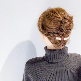 デート セミロング 上品 ヘアアレンジ ヘアスタイルや髪型の写真・画像
