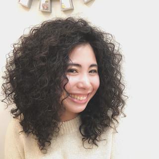 パーマ ストリート スポーツ スパイラルパーマ ヘアスタイルや髪型の写真・画像 ヘアスタイルや髪型の写真・画像