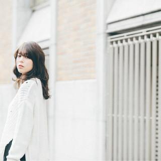 外国人風 暗髪 ミディアム グラデーションカラー ヘアスタイルや髪型の写真・画像