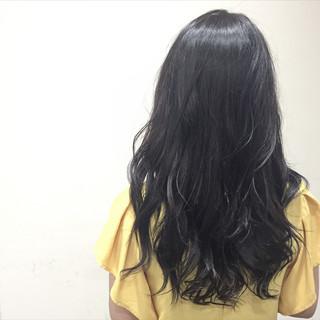 大人かわいい グレー 暗髪 アッシュ ヘアスタイルや髪型の写真・画像