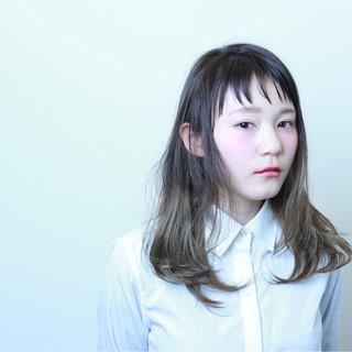 セミロング 前髪あり グラデーションカラー ストリート ヘアスタイルや髪型の写真・画像