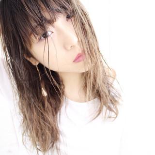 セミロング 涼しげ グラデーションカラー ナチュラル ヘアスタイルや髪型の写真・画像