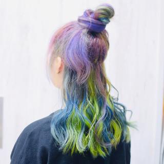 インナーカラー ユニコーンカラー パープル ミディアム ヘアスタイルや髪型の写真・画像