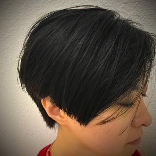 艶髪 ショート ウェットヘア ストリート ヘアスタイルや髪型の写真・画像