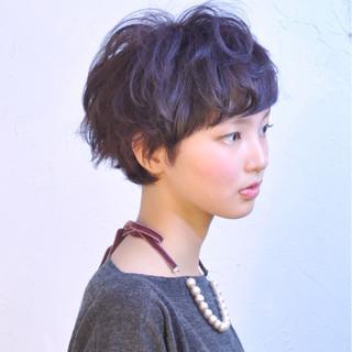 ストリート 外国人風 暗髪 大人かわいい ヘアスタイルや髪型の写真・画像